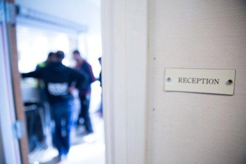 BEKYMRINGSMELDINGER: Redd Barna forteller om mange bekymringsmeldinger fra det frivillige apparatet rundt asylsøkerne. Det meldes om enslige mindreårige som vandrer alene rundt i Oslos gater og om kaotiske tilstander på overfylte mottak med lav bemanning.