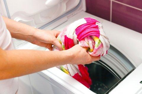 KLESVASK: Blir tøyet rent, men lukter vondt?