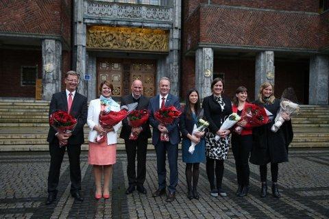 Oslos nye byråd. Fra venstre Robert Steen (Ap), Tone Tellevik Dahl (Ap), Geir Lippestad (Ap), Raymond Johansen (Ap), Lan Marie Nguyen Berg (MDG), Hanna E. Marcussen (MDG), Rina Mariann Hansen (Ap) og Inga Marte Thorkildsen (SV).