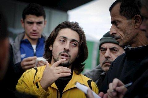KRITISK: Mohamad Akram Al-Jabi er mer enn kritisk når det gjelder forholdene inne på mottakssenteret i Råde, og han snakker på vegne av seg selv, sin egen familie og mange av hans venner som også er på flukt.