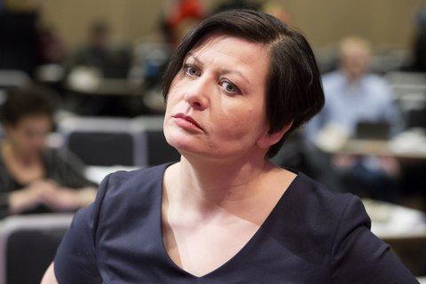 Tidligere nestleder i Arbeiderpartiet og finnmarking Helga Pedersen mener asylsøkere som kommer til Norge over Storskog og ikke har beskyttelsesbehov må få avslag og sendes tilbake så raskt som mulig.
