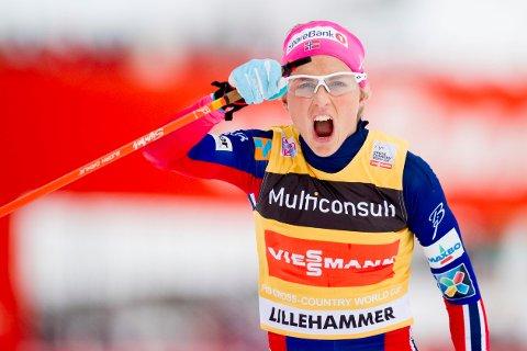 SUVEREN: Therese Johaug var aldri i nærheten av å bli truet om seieren på Lillehammer på lørdag.