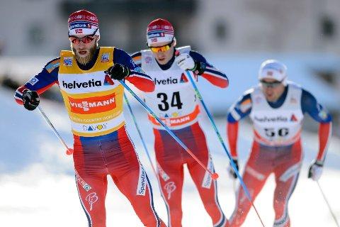 NOMINERT: Både Martin Johnsrud Sundby (fremst) og Petter Northug jr. (bakerst) er nominert til prisen for årets mannlige utøver.