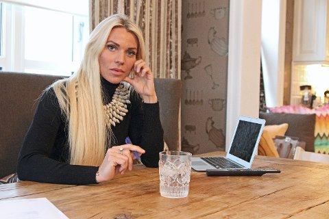 MILLIARDÆRDATTER: Maria Høili har verdier for over 100 millioner i inn- og utland, bedyrer at penger ikke er det viktigste for henne. Den samfunnsengasjerte damen er derimot svært opptatt av rettferdighet. Før jul skapte hun en stor debatt da hun la ut et blogginnlegg om asylbarn. To dager beklaget hun seg.