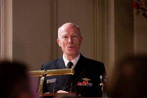 BEKYMRET FOR BEVILGNINGER: Forsvarssjef admiral Haakon Bruun-Hanssen holdt sin årlige statusoppdatering mandag.