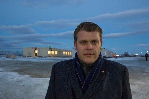 ADVARER KIRKEN: - Hvis de nå begynner å åpne for kirkeasyl for at man skal unngå offentlige og lovlige fattede vedtak, da er Kirken med på å undergrave asylsystemet, sier statssekretær Jøran Kallmyr (Frp).