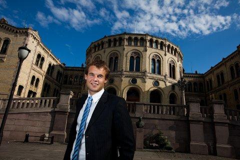 SER MOT SVERIGE: Stortingsrepresentant Kjell Ingolf Ropstad (KrF) vil ta opp svenske erfaringer i arbeidet mot hatkriminalitet med justisminister Anders Anundsen (Frp).