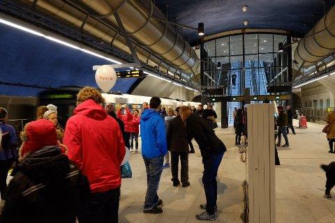 UNDER JORDEN: Den nye stasjonen ligger 26 meter under jorden midt i Lørenbyen.
