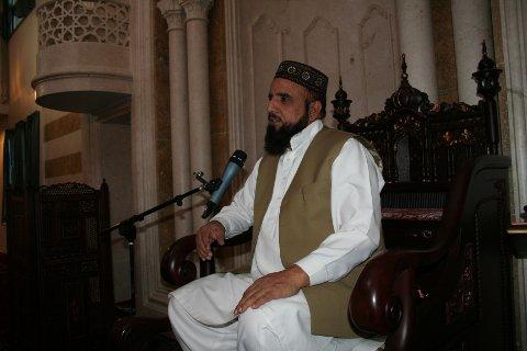 I HARDT VÆR: Nehmat Ali Shah er hovedimam i Central Jamaat Ahle Sunnat-moskeen på Grønland i Oslo. Han er i hardt vær etter å ha deltatt på minnemarkeringer for en henrettet drapsmann.
