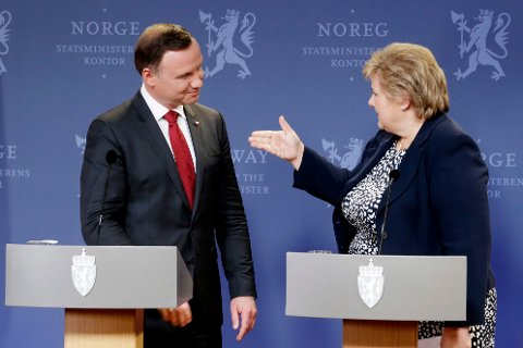 STATSBESØK: Statsminister Erna Solberg (H) og Polens president Andrzej Duda møtte pressen i statsministerboligen i Oslo mandag ettermiddag.