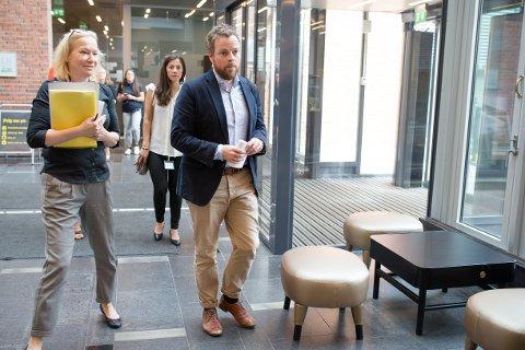 SØKERTALLENE KLARE: Kunnskapsminister Torbjørn Røe Isaksen presenterer opptakstallene for høyere utdanning i Oslo tirsdag.