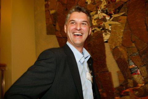Herøy-ordfører Arnulf Goksøyr har mottatt 11 millioner kroner for å drive asylmottak.