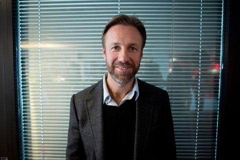 Thomas er en av Norges fremste komikere. Han har også god styring på pengene han tjener.