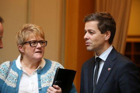 SNAKKET OM LÆRERE: For KrF er det viktig å prioritere midler til flere lærerstillinger i budsjettforhandlingene som starter neste måned, påpeker KrF-leder Knut Arild Hareide, her med Venstre-leder Trine Skei Grande.