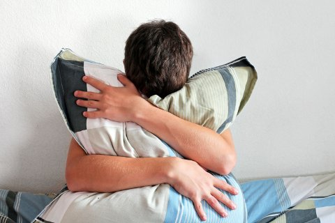 PREVENSJON: I en studie om hormonell prevensjon for menn hoppet 20 menn av studien grunnet bivirkninger som humørsvigninger, smerter og akne.