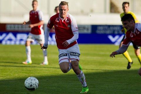 MØTER HØDD: Bryne og Marius Lode får sterk konkurranse om å ta seg rett opp igjen til Obosligaen. Begge klubbene rykket ned i siste serierunde i høst.