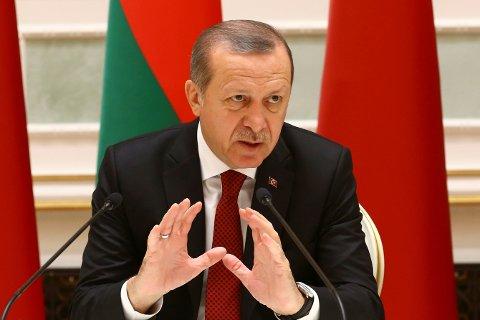 Tyrkias president Recep Tayyip Erdogan er klar for å signere loven som gjeninnfører dødsstraff i Tyrkia.