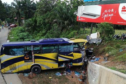 ULYKKE: 14 personer ble drept i en bussulykke i Malaysia julaften.