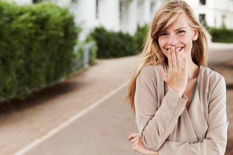 Vær kul og bare le hvis du opplever noe pinlig - de fleste har garantert opplevd det samme en gang!