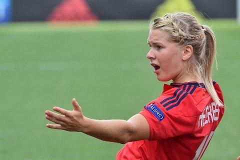 PÅ TOPP: Ada Hegerberg ble vraket til første kvartfinalekamp mot Wolfsburg. I onsdagens returoppgjør er hun med fra start igjen.
