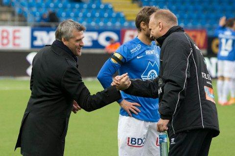 SLIPPER DETTE: Molde-trener Tor Ole Skullerud og Odd-trener Dag-Eilev Fagermo var bitre rivaler, men gjennomførte «Handshake for Peace» under første serierunde i 2015. Nå er prosjektet skrinlagt.