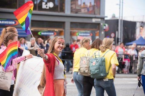 Dobbelt så mange unge identifiserer seg som LHBT enn de over 35 år, viser en ny undersøkelse. Bildet er en illustrasjon.