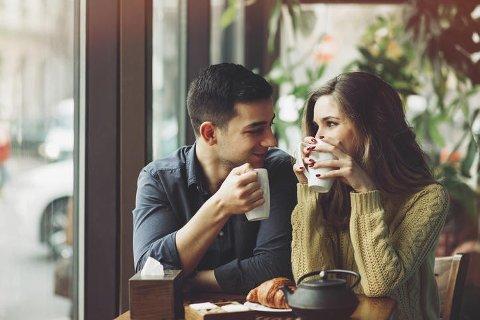 Mange nordmenn liker å ta en kaffe sammen på første date.