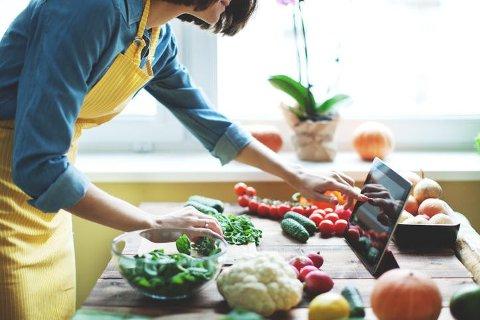 Det er mulig å ha et nesten fullverdig kosthold som veganer, men det krever at du har en god porsjon kunnskap om matvaresammensetning.