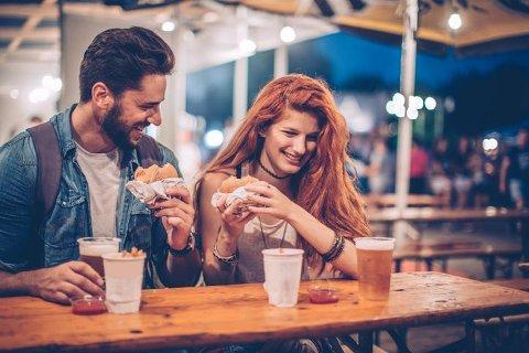 Googler du også daten din før dere skal møtes for første gang? Du er ikke alene!
