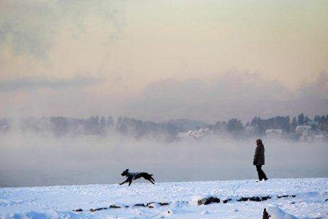 KALDT! Temperaturene synker godt under ti minus på Østlandet i helgen. Men vinteren er bare på besøk