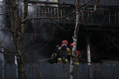 BRANT: Boden som ligger under terrassen, samt konstruksjonen på terrassen har fått store skader.