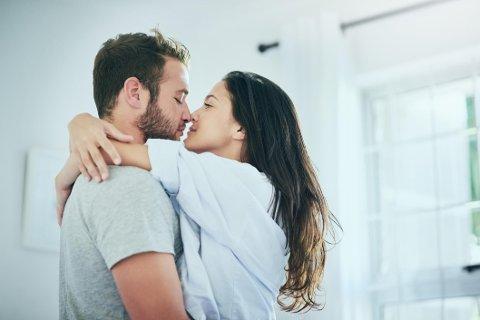 En ny undersøkelse viser at nordmenn generelt håper på mer romantikk i 2018.