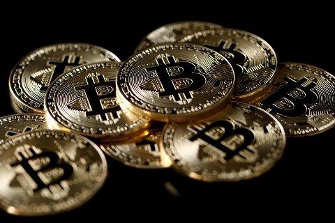 Kryptovaluta kommer ikke til å etablere seg som ordentlig valuta med det første, advarer visedirektør i KBW, Frederick Cannon.