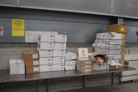 STORT BESLAG: Tollvesenet beslagla 736 kilo kjøttvarer fra en norskregistrert varebil i helgen.