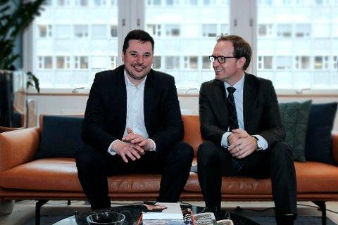 Rådgivere i Forvaltningshuset gir gode råd til hvordan du kan forvalte din økonomi. Styreleder Tore Malme til venstre.