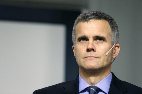 UT: Tidligere Statoil-sjef Helge Lund trekker seg fra styret i den internasjonale oljeservicegiganten.