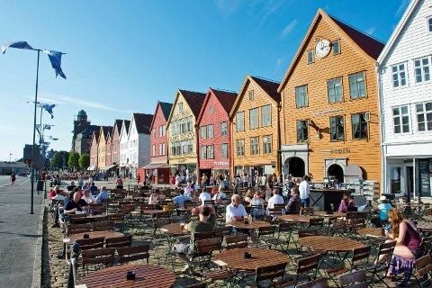 Påskefri gir mange muligheten til å gjeste landets uterestauranter. Her fra Bryggen i Bergen.