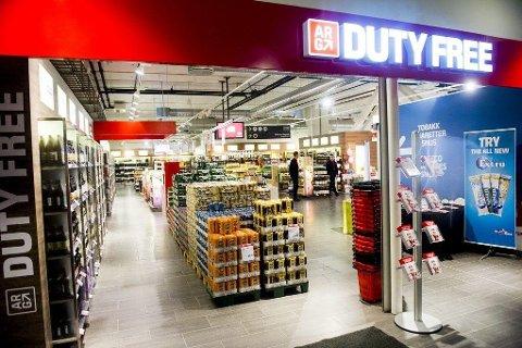 Opphørssalg: Prisene i Rygges taxfreebutikk er satt ned med 30 prosent, men inkluderer ikke kvotevarer.