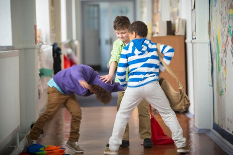 Oppdragelse er ikke skolens jobb. Når barna likevel viser fram vrangsida på skolen, blir det skolens jobb å håndtere det. Illustrasjonsfoto: Istock