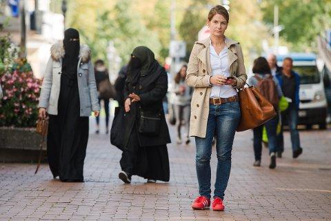 BYDELEN ENDRET: Tidligere Bild-redaktør Tanit Koch har opplevd å se at det har blitt vanlig å bruke burka og nikab i bydelen hun kommer fra.