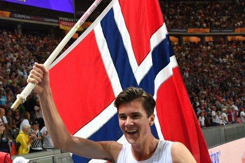 SJOKKERTE VERDEN: Jakob Ingebrigtsen sjokkerte en hel friidrettsverden ved å ta EM-gullet på 1500 meter på fredag. Lørdag har han en ny gullsjanse på 5000 meter.