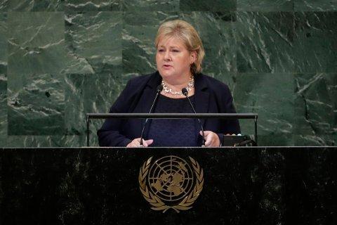 Statsminister Erna Solberg (H) holdt Norges hovedinnlegg i FNs hovedforsamling i New York onsdag kveld lokal tid. Foto: Frank Franklin II / AP / NTB scanpix