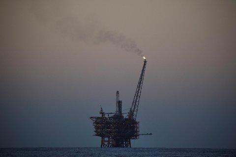 OLJEFORBRUKET MÅ NED: Forbruket av olje må reduseres opp mot 40 prosent innen 2030 og opp mot 90 prosent innen 2050. Forbruket av gass må mer enn halveres innen 2050 i de fleste scenarioer, ifølge FN-rapporten. Illustrasjonsbilde.