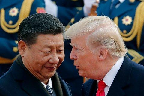 USAs president avbildet sammen med Kinas president Xi Jinping under et statsbesøk i Kina i fjor høst.