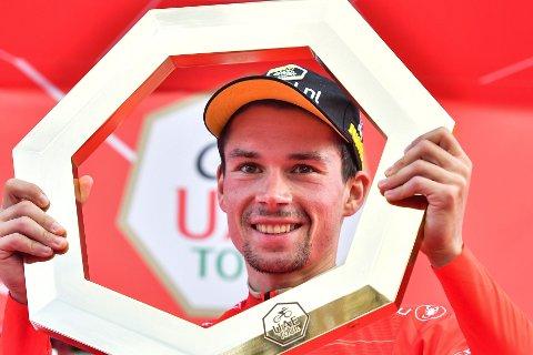 JUBEL: Primoz Roglic kunne juble etter seieren i Tirreno - Adriatico. Her fra en tidligere triumf i UAE-tour.