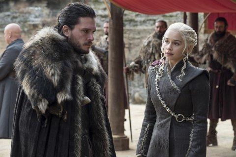 SISTE SESONG: I neste uke er det klart for siste sesong av Game of thrones. Mens fansen teller ned, jobber eierne av HBO med å selge selskapets europadivisjon.