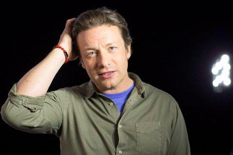 DEN NAKNE SANNHET: Jamie Oliver skapte seg et navn som en av verdens mest kjente kokker som «The naked chef». Nå er hans forretninger i alvorlig trøbbel.