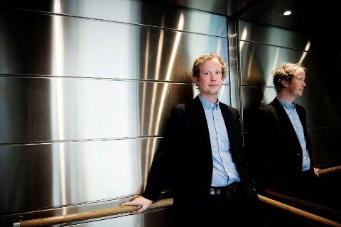 SLÅR ALARM: Senioranalytiker Morten Trasti i Lindorff melder om en klar økning i antall misligholdte strømregninger.