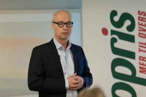 GOD VEKST: Europris-sjef Pål Wibe la frem bra tall for andre kvartal, men må tåle høyere kostnader.