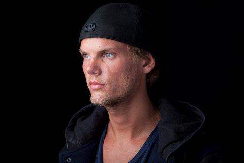 Den svenske DJ-en Avicii ble 28 år gammel. Bildet ble tatt i New York i 2013. Foto: AP/NTB scanpix